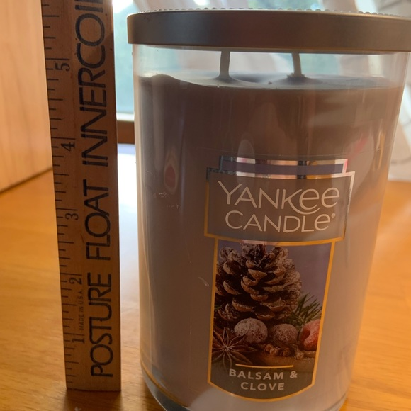 NEW Yankee Candle 22 Oz pillar jar candle in Balsam and Clove